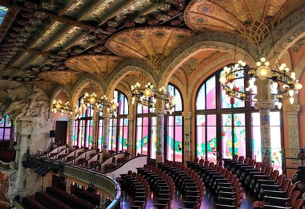 バルセロナの世界遺産「カタルーニャ音楽堂」の館内