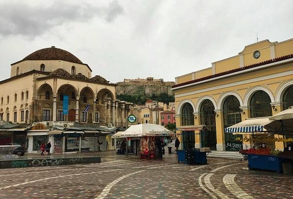 ギリシャの「アテネ」にある、「モナスティラキ広場」の風景