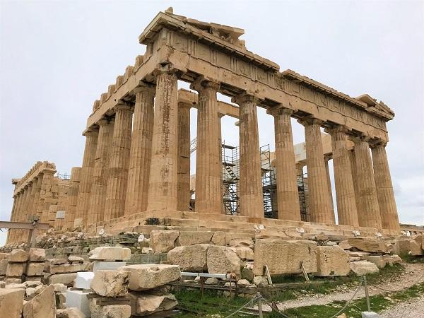 ギリシャの「アテネ」にある、「パルテノン神殿」の風景