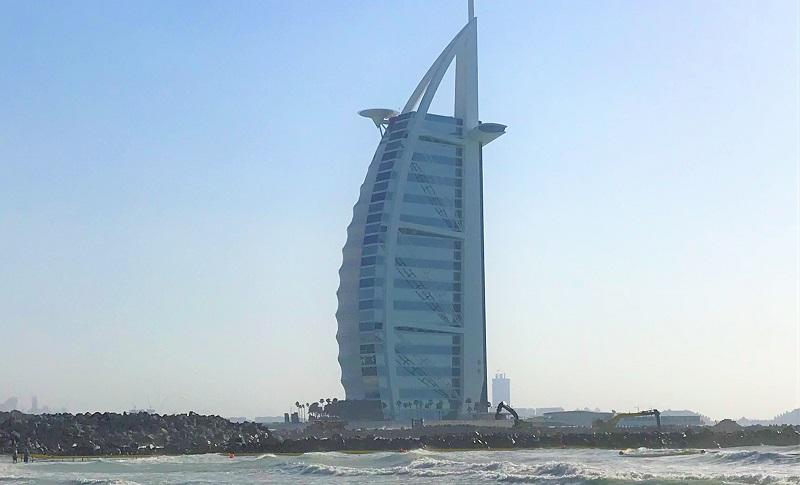 ドバイの7つ星ホテル「ブルジュ・アル・アラブ」