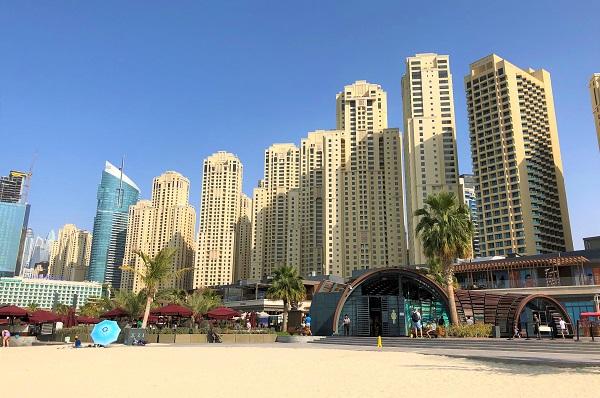 ドバイ「ジュメイラビーチ」の風景