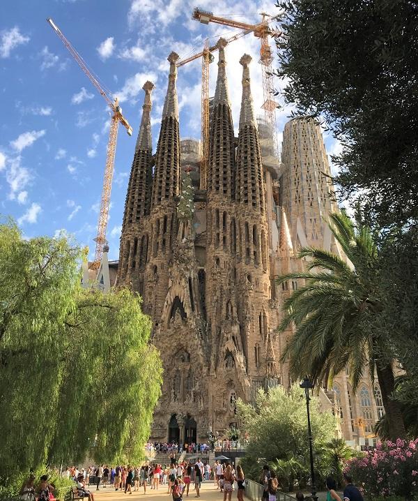 スペイン「バルセロナ」の世界遺産「サグラダファミリア大聖堂」