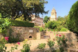 スペイン「アルハンブラ宮殿」の庭園風景