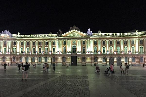 フランス「トゥールーズ」にある「キャピトル広場」と「市庁舎」