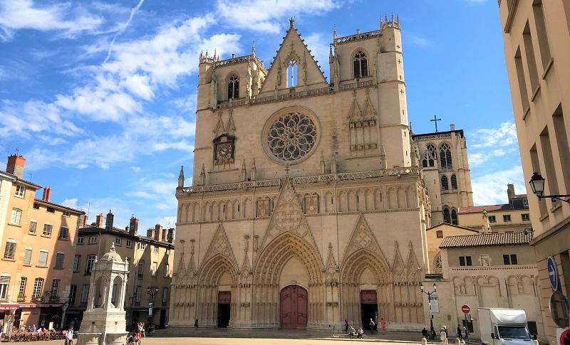 リヨン旧市街にある「サンジャン大聖堂」