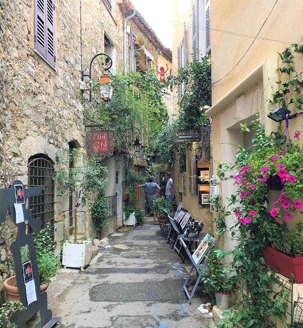 南フランスにある、美食とアートの町「ムージャン」
