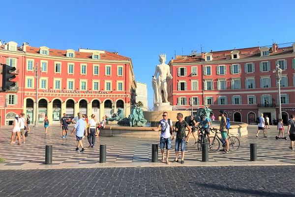 フランス「ニース」にある「マセナ広場」