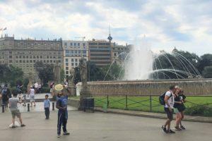 バルセロナの中心「カタルーニャ広場」